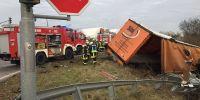 Unfall auf B 80 bei Wansleben: Drei Personen werden schwer verletzt | Mitteldeutsche Zeitung